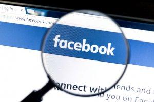 Jak chronić Twoje dziecko w erze Facebooka