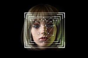 Technologia rozpoznawania twarzy wspiera rasizm?